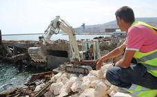 Comienza el desescombro del Cable Francés de Almería