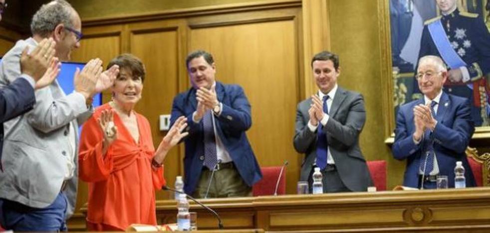 El IEA concede sus máximas distinciones a los almerienses Inocencio Arias y Carmen Pinteño