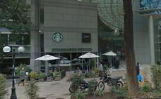 Hallan muerta en el baño de un Starbucks a una estudiante de 16 años
