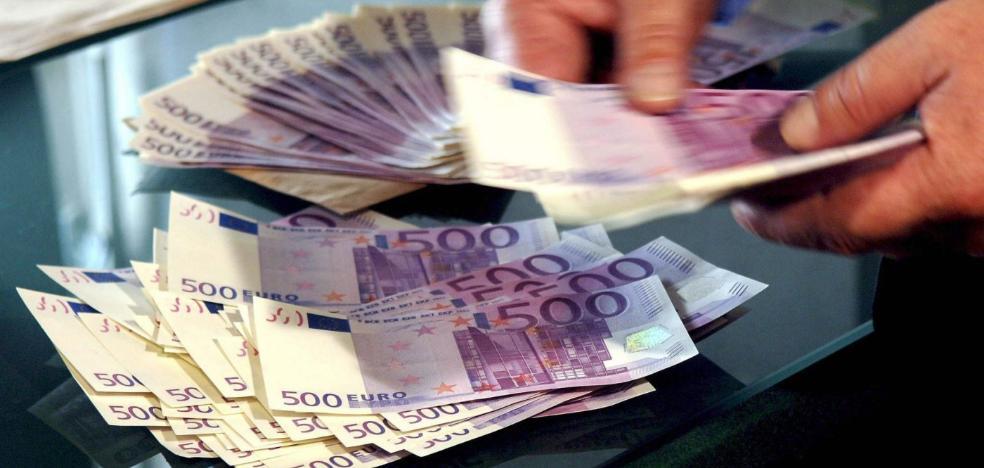 Se enfrenta a doce años de cárcel por comprar motos con billetes falsos