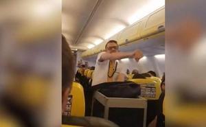 El vuelo más divertido de Ryanair: el azafato que sorprendió a los pasajeros