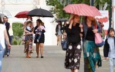 Domingo de paraguas en el ferial