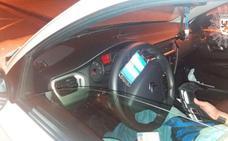 Conducía con el móvil acoplado al volante «como si fuera una Playstation»