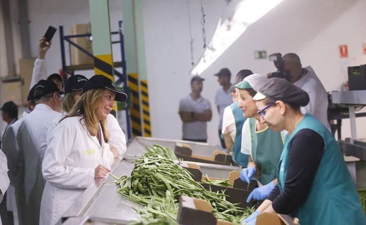 La presidenta de la Junta de Andalucía ha visitado la cooperativa agrícola El Grupo de Castell de Ferro