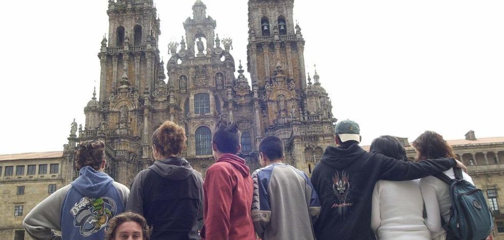 Tres menores encerrados por diversos delitos harán el Camino de Santiago desde mañana