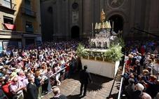 La Custodia recorre las calles de Granada en el Día del Señor