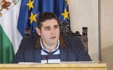 Román acusa a Juanjo Alonso de tratarla de forma «grosera» en un encuentro en su despacho
