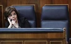 Rajoy se ausenta y Cospedal descarta su dimisión