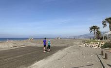 Motril recupera Playa Granada pero las obras de regeneración dejan destrozos en Poniente