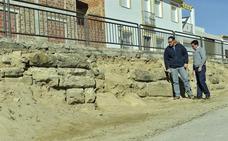 El alcalde de Porcuna invita a la Junta a conocer «de primera mano» el anfiteatro y a «capitanear» su recuperación