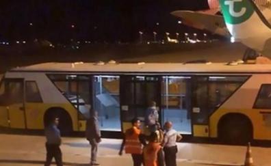 «Olía peor que un cadáver podrido»: el «pestazo» de un pasajero provoca un aterrizaje de emergencia