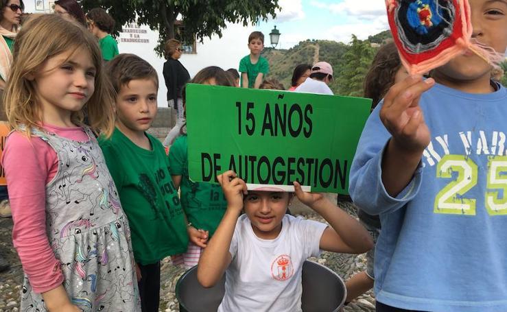 El CEIP Gómez Moreno inicia sus protestas y encierro en el centro