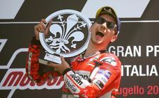 Terremoto en MotoGP: Lorenzo será compañero de Márquez
