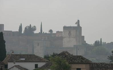 Un auto recoge acusaciones contra 28 personas por los contratos de la Alhambra