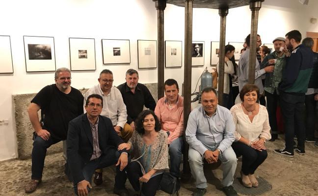 Huétor Vega reconoce la «mirada pausada y sinestésica» del fotógrafo Ramón L. Pérez