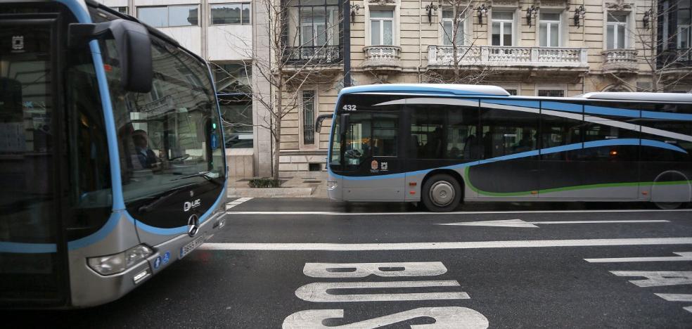 Movilidad sigue sin aprobar los cambios en las líneas de bus pero mantiene que estarán en julio