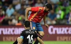 Defensa de tres, dos puntas y extremos para encontrar el gol
