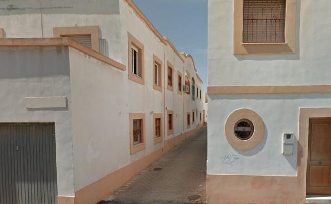 El Consultivo, a favor de que Almería pague a un hombre que se cayó dentro de una arqueta