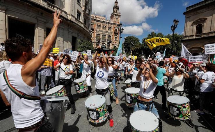 Miles de personas de toda Andalucía piden en Sevilla «una sanidad digna»