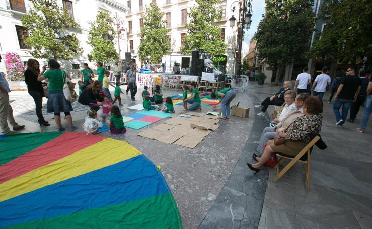 La Plaza del Carmen acoge una protesta por la falta de plazas del segundo ciclo de Infantil
