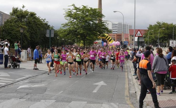 Aquí puedes verte en la salida de la Carrera de la mujer de Granada