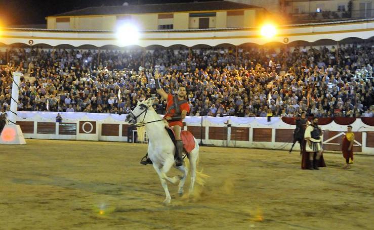 Miles de personas presencian el Circus Maximus en el coso de Santa Margarita