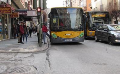 La entrada en vigor del billete de trasbordo en los autobuses de Jaén se retrasa