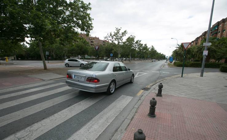 Cuatro cruces de la calle Joaquina Eguaras, sin semáforos por falta de dinero