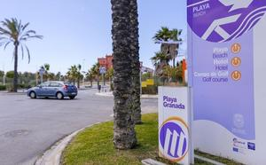 Motril invertirá 500.000 euros en reforzar por primera vez la limpieza de la playa y sus barrios