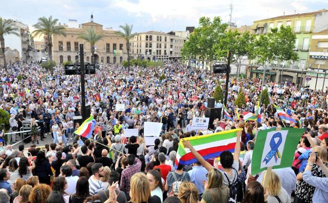 'Todos a una por Linares' pide formalmente reunirse con Susana Díaz