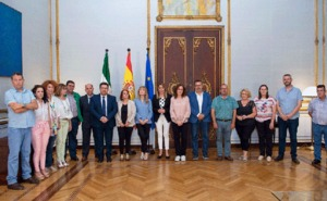 Susana Díaz recibe a representantes del sector de manipulado de frutas y hortalizas de Almería