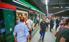 Alerta urgente de la Guardia Civil para cuando subas al metro «justo antes de cerrarse la puerta»