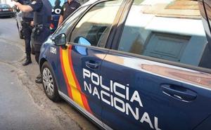 Una empleada del hogar se queda con 39.000 euros en joyas de cuatro viviendas de Almería