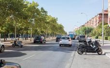 Un coche se da a la fuga tras una colisión en Granada en la que resultó herida una menor