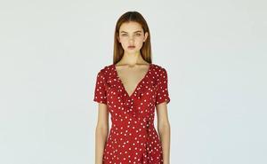 El vestido de Bershka que está dando la vuelta al mundo y que todavía puedes comprar