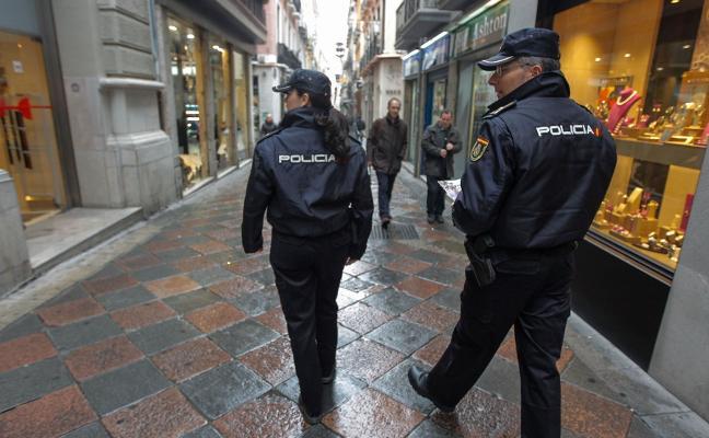 'Cazan' a dos fugitivos buscados por la justicia europea y agazapados en Almería