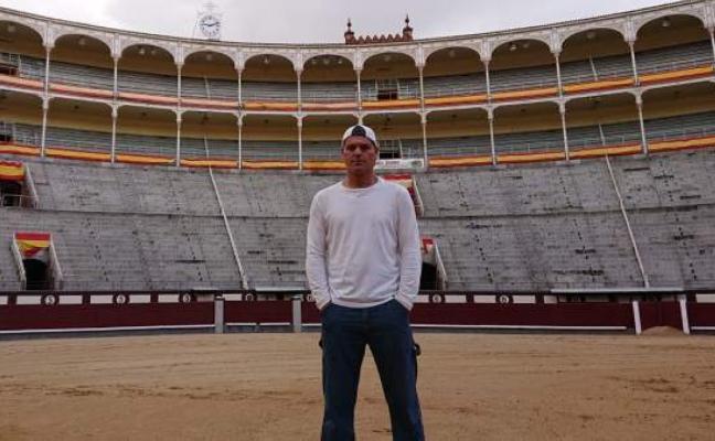 Frank Cuesta va a los toros: la verdad sobre el aventurero