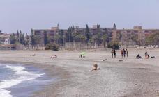 Las playas de Motril resurgen tras un mes de pesadilla y de obras