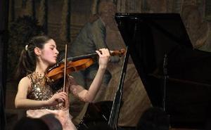 La joven violinista granadina María Dueñas debuta el domingo en el Musikverein de Viena