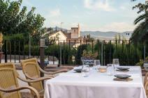 Cinco terrazas con vistas de Granada para disfrutar del verano y sus propuestas gastronómicas