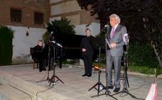 La voz de Luis del Olmo homenajeó a Lorca en el inicio de la XXVI edición de Guadix Clásica