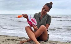 El curioso producto para el verano con el que Lara Álvarez aparece en su Instagram