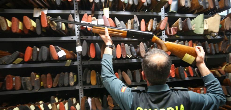 La Guardia Civil requisa más de 6.000 armas en Granada en la última década