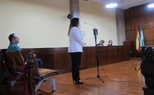 Una madre se enfrenta a 15 años de cárcel acusada de abusar de su hijo de dos años y mandar las imágenes a su pareja