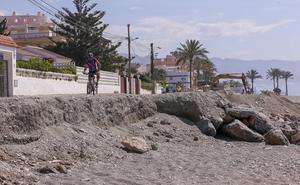El cambio de Gobierno deja a las playas sin la puesta a punto para el verano