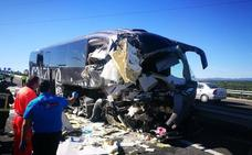 Dos fallecidas y otras cuatro personas heridas en un accidente a la altura de Bailén