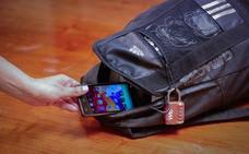 Investigan a dos individuos de Atarfe por vender y comprar un teléfono móvil procedente de un robo con violencia