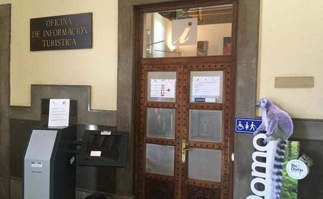 La Oficina de Turismo municipal cierra los lunes en verano «por ser temporada baja»