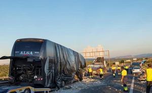 El camión involucrado en el accidente mortal de Bailén había sufrido una avería y ocupaba parte de la carretera