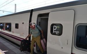 Retraso de más de dos horas y media del Talgo entre Madrid y Almería
